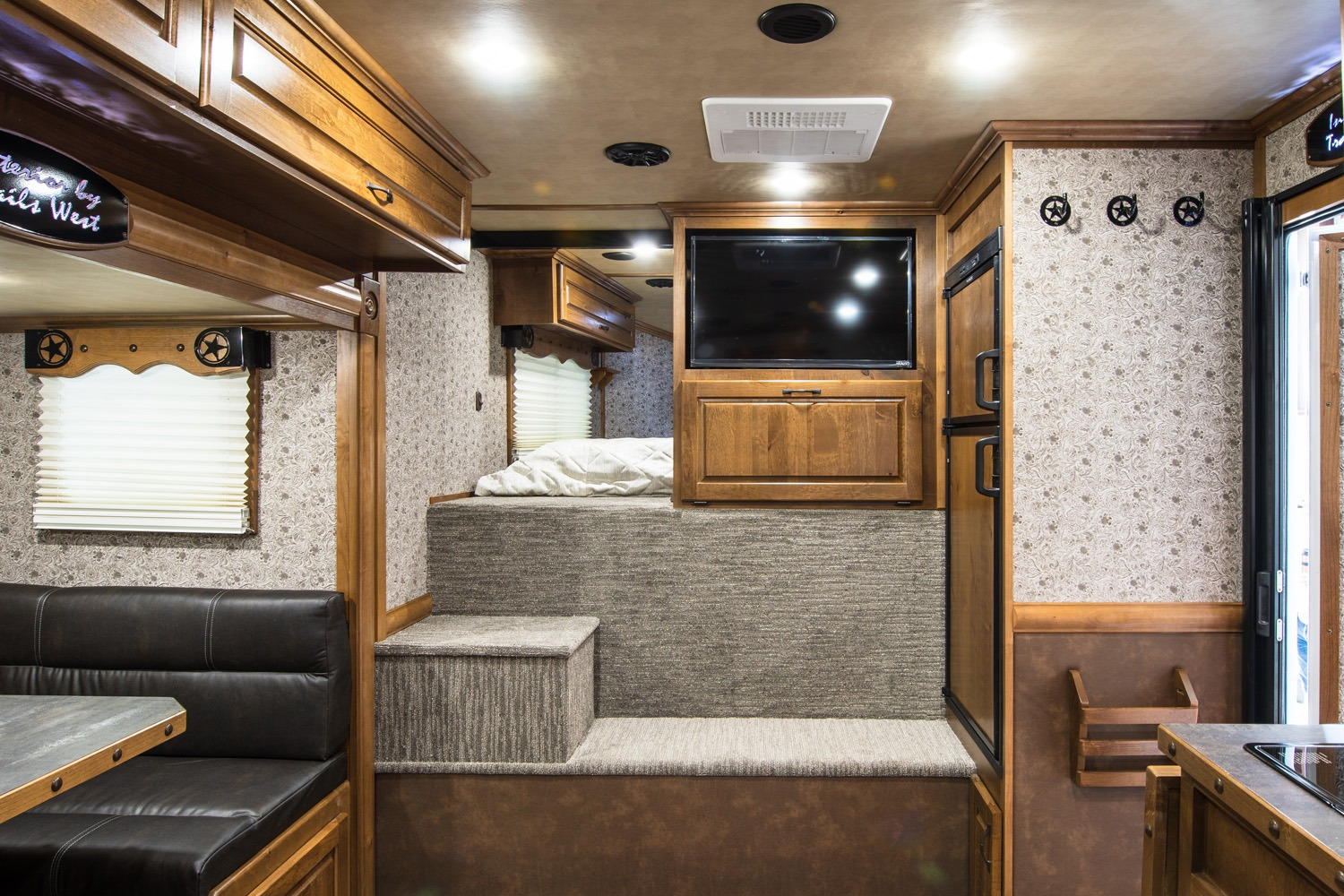 Common Area - Western Premium Package - Living Quarters Horse Trailer